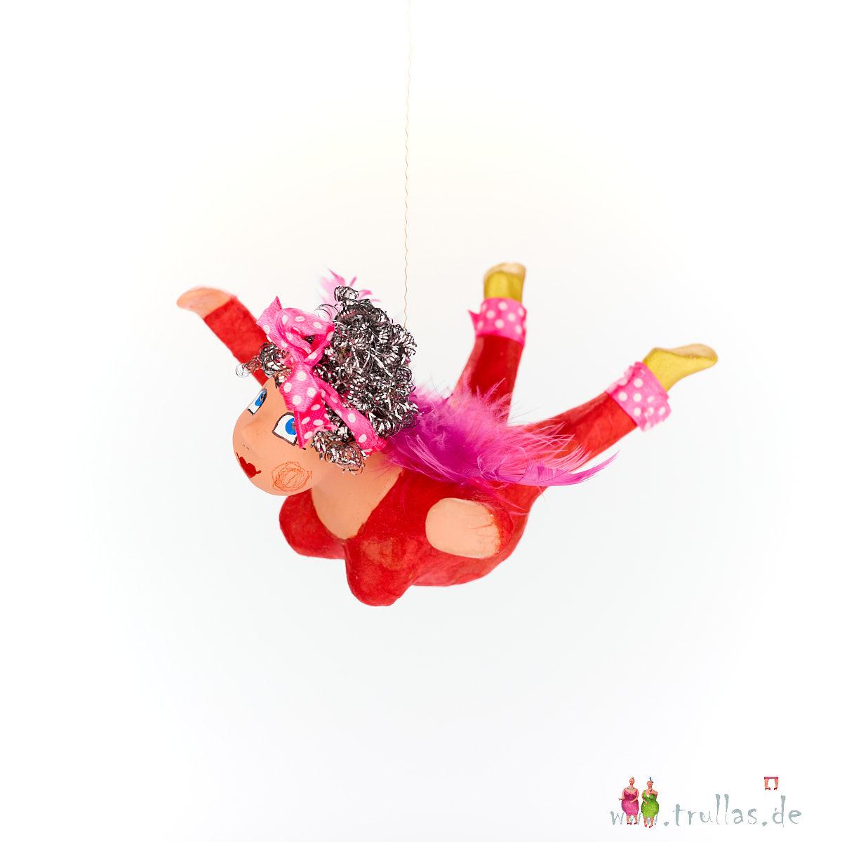 Schutzengelchen - Aneta ist eine handgefertigte Figur aus Pappmachee. Trullas sind Geschenkideen fur Menschen die handgemachte Kunst schätzen.