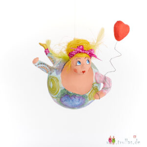 Schutzengel - Sonja ist eine handgefertigte Figur aus Pappmachee. Trullas sind Geschenkideen fur Menschen die handgemachte Kunst schätzen.