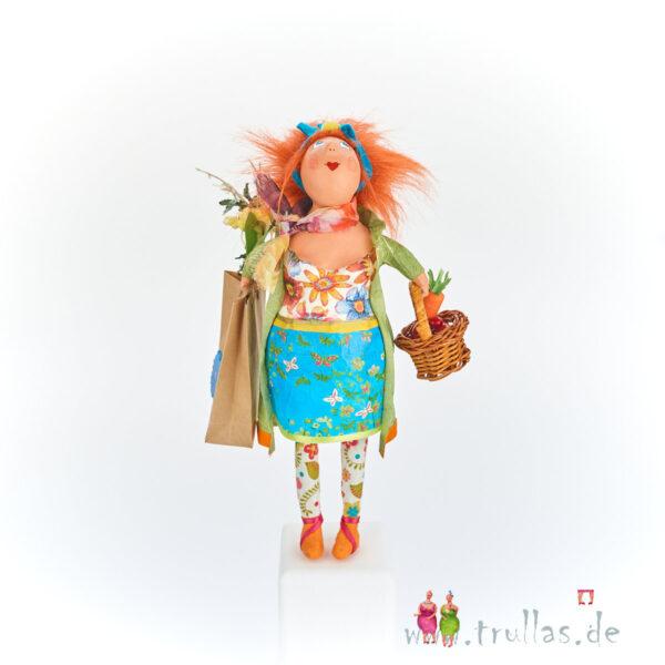 Shopping-Trulla - Lucia ist eine handgefertigte Figur aus Pappmachee. Trullas sind Geschenkideen fur Menschen die handgemachte Kunst schätzen.